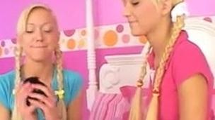 blond cutie lesbians