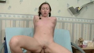 Sensual young hottie Yolande takes her boyfriend's long dick up her ass