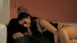 Dark brown loves intense pussy drilling