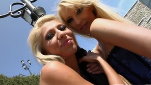Curvy blonde lesbian with a hawt body getting her pussy fingered