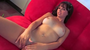 Hayden Winters is a gorgeous young honey with great tan lines and a spectacular set of curves on her. That babe is also a cute thing with a very dirty mind that makes her masturbate in front of the camera.