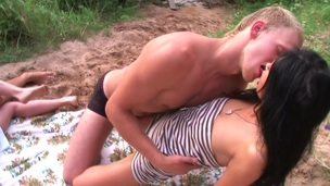 College legal age teenager cocksucking outdoors