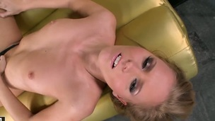 Blonde tramp howls as she plays with herself